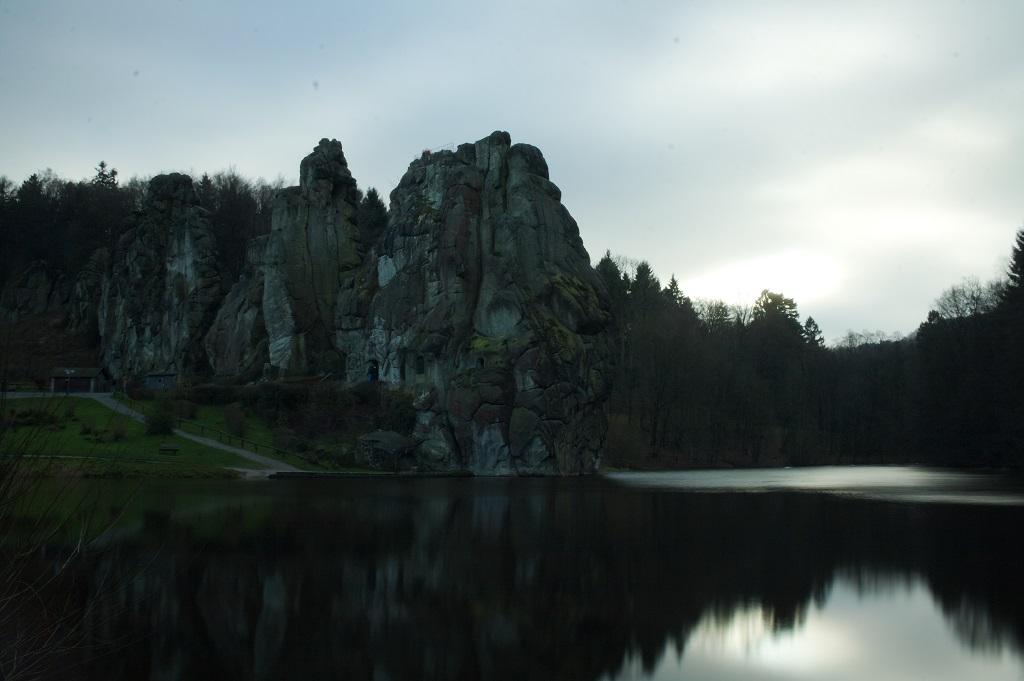 Ein Bild der Externsteine im Teutoburger Wald